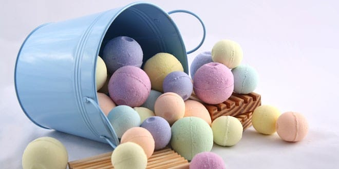 10-Top-Rated-Products-in-Bath-Bombs