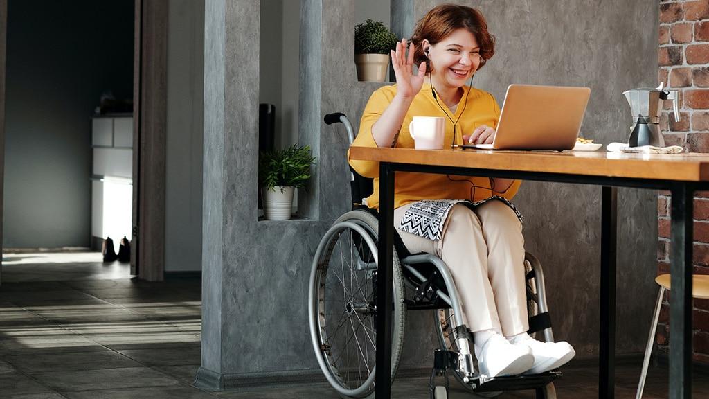 disability-handicap-talk-chat-communication-laptop-work